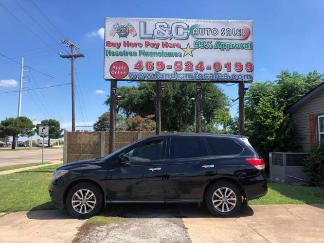 2014 Black Nissan Pathfinder S 2WD (5N1AR2MNXEC) with an 3.5L V6 DOHC 24V engine, Auto transmission, located at 1830 North Belt Line Road, Irving, TX, 75061, (469) 524-0199, 32.834373, -96.993584 - Photo #0
